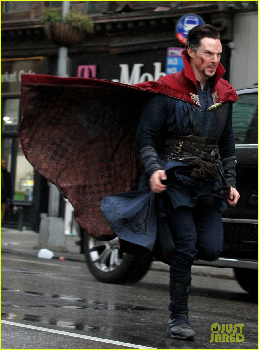 benedict-cumberbatch-films-doctor-strange-in-nyc-first-pics-01