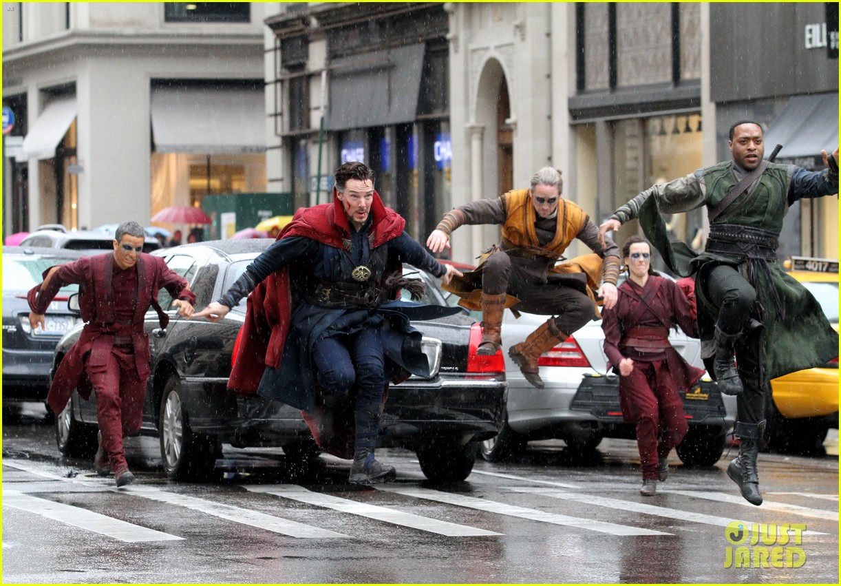 benedict-cumberbatch-films-doctor-strange-in-nyc-first-pics-42
