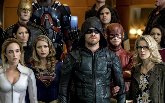 The CW: ecco il trailer dell'evento Crisis on Earth-X