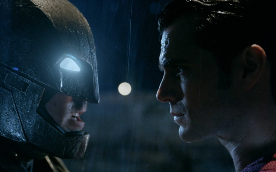 Batman V Superman: 439,1 milioni di dollari al box office mondiale, record battuti