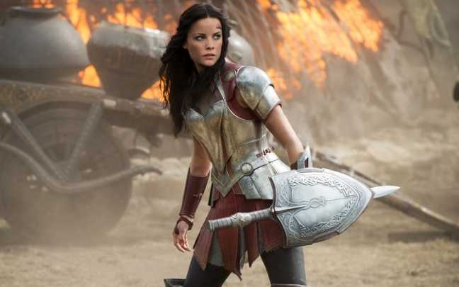 Jaimie Alexander sarà nuovamente Lady Sif in Loki e Love and Thunder