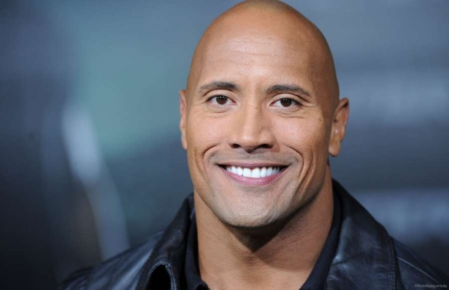 "Shazam: The movie, il tweet di ""The Rock"""